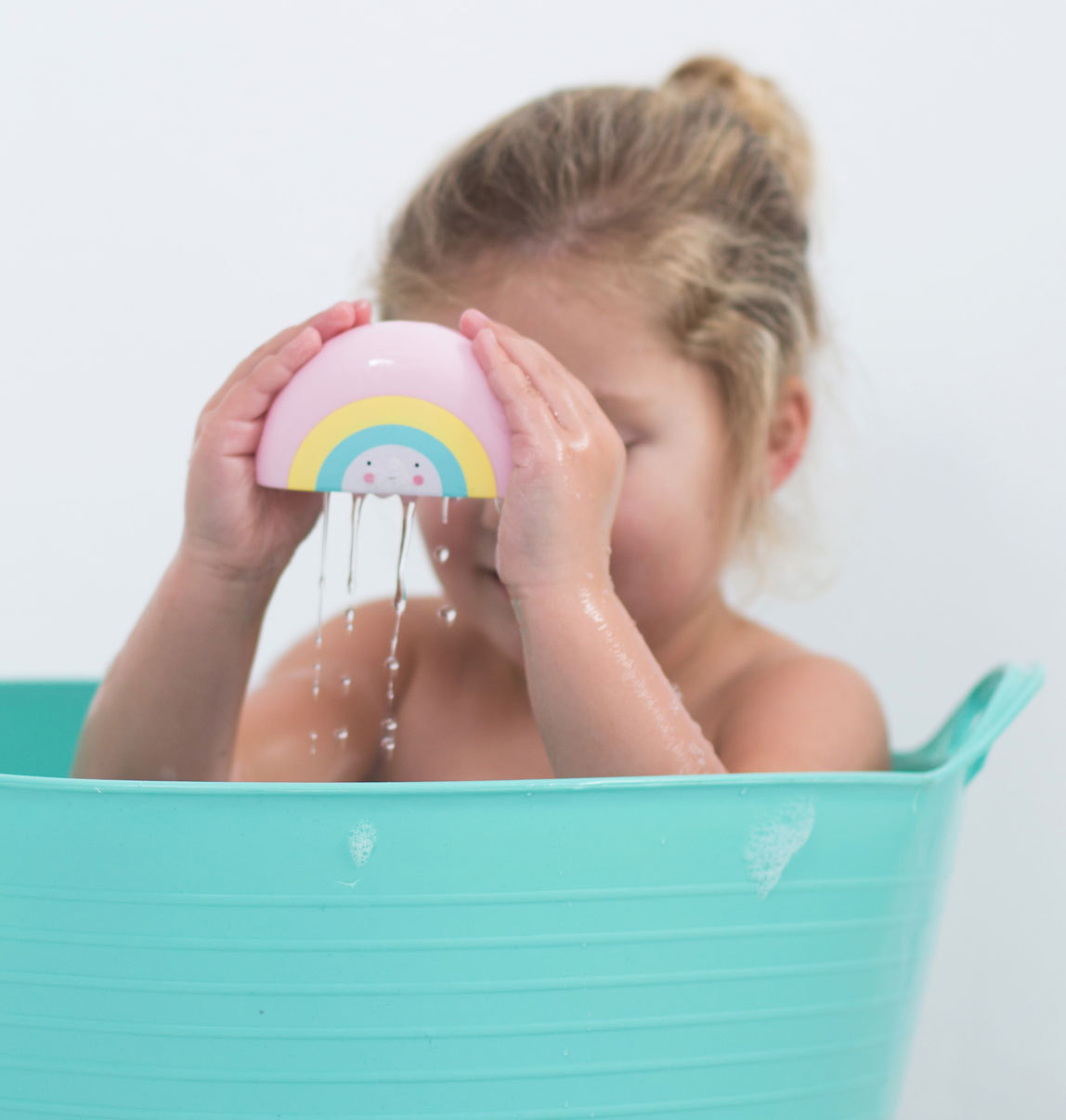 BTRBMC03-4-LR_bath_toy_rainbow